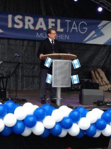 Harald Eckert spricht beim Israeltag in München