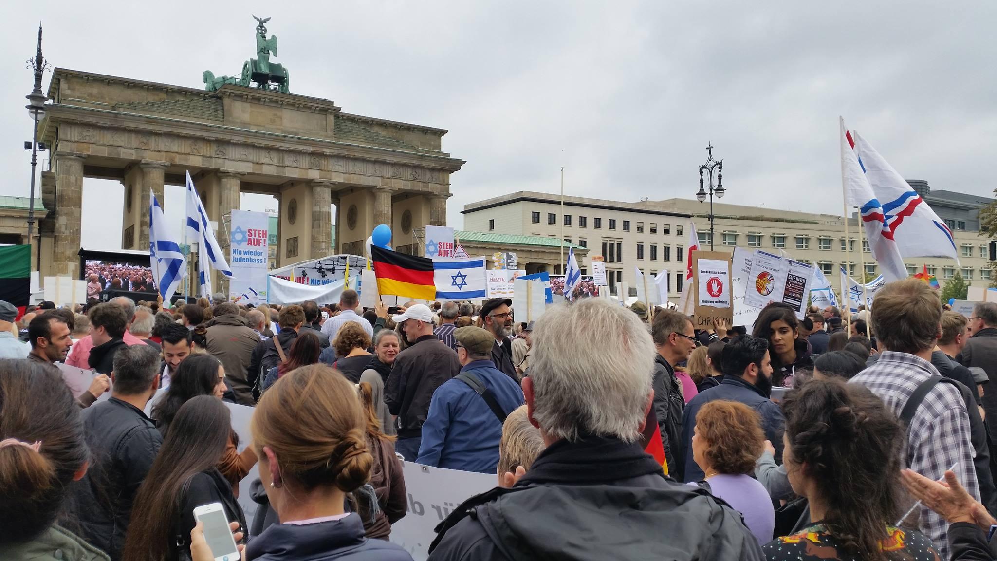 Kundgebung gegen Judenfeindschaft am 14.09.2014 vor dem Brandenburger Tor in Berlin