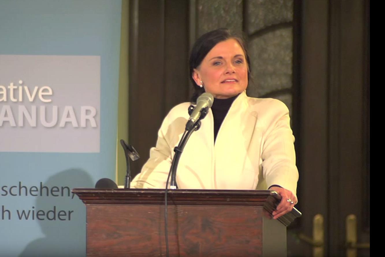 Gitta Connemann, stellvertretende Franktionsvorsitzende der CDU/CSU-Bundestagsfraktion und Vizepräsidentin der Deutsch-Israelischen Gesellschaft, bei der Gedenkveranstaltung am 22.01.2015 in der Französischen Friedrichstadtkirche in Berlin