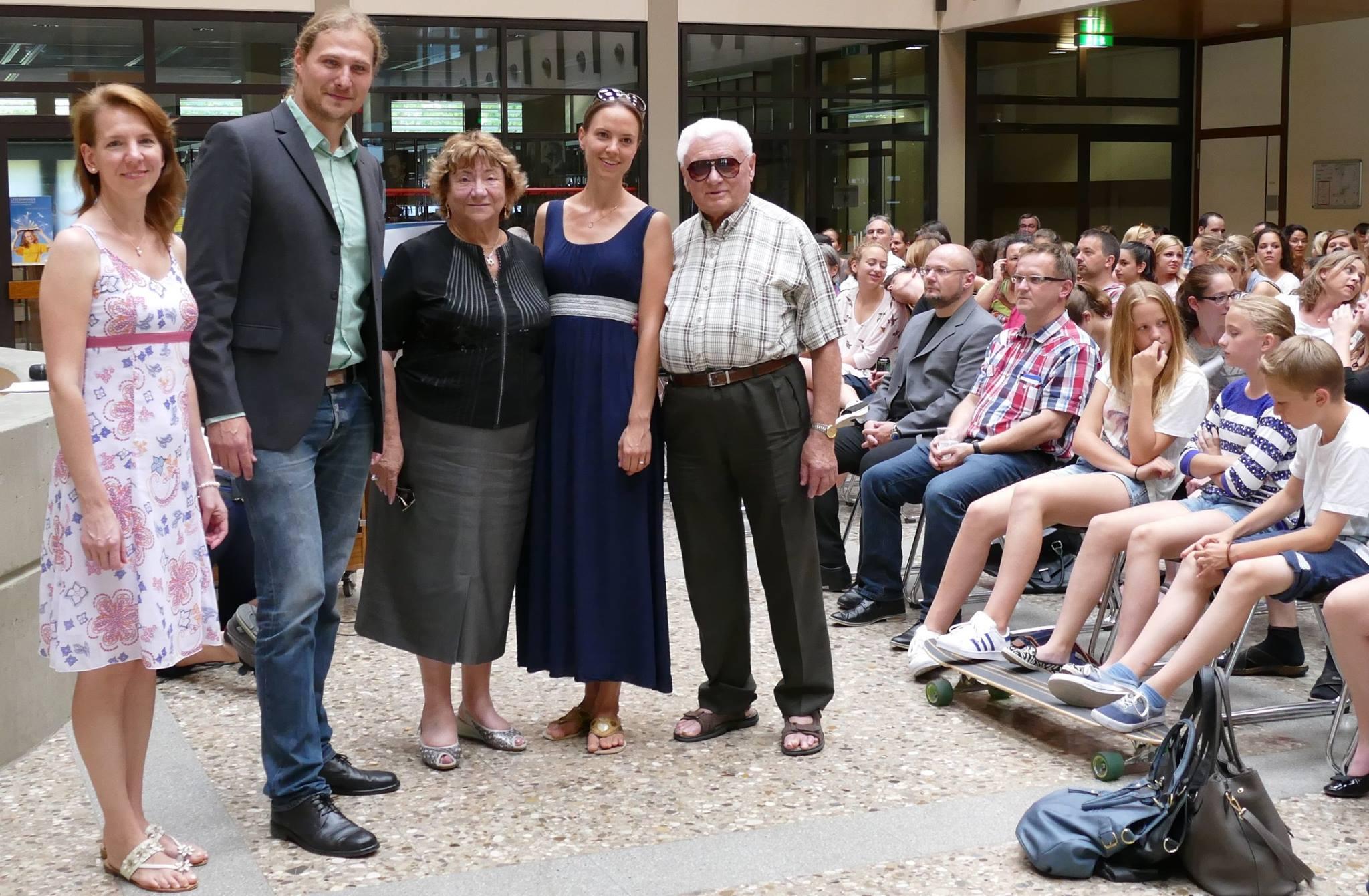 Zeitzeugen-Begegnung mit Gita Koifman (Mitte) im Juli 2015 im Werner-Heisenberg-Gymnasium in Bad Dürkheim