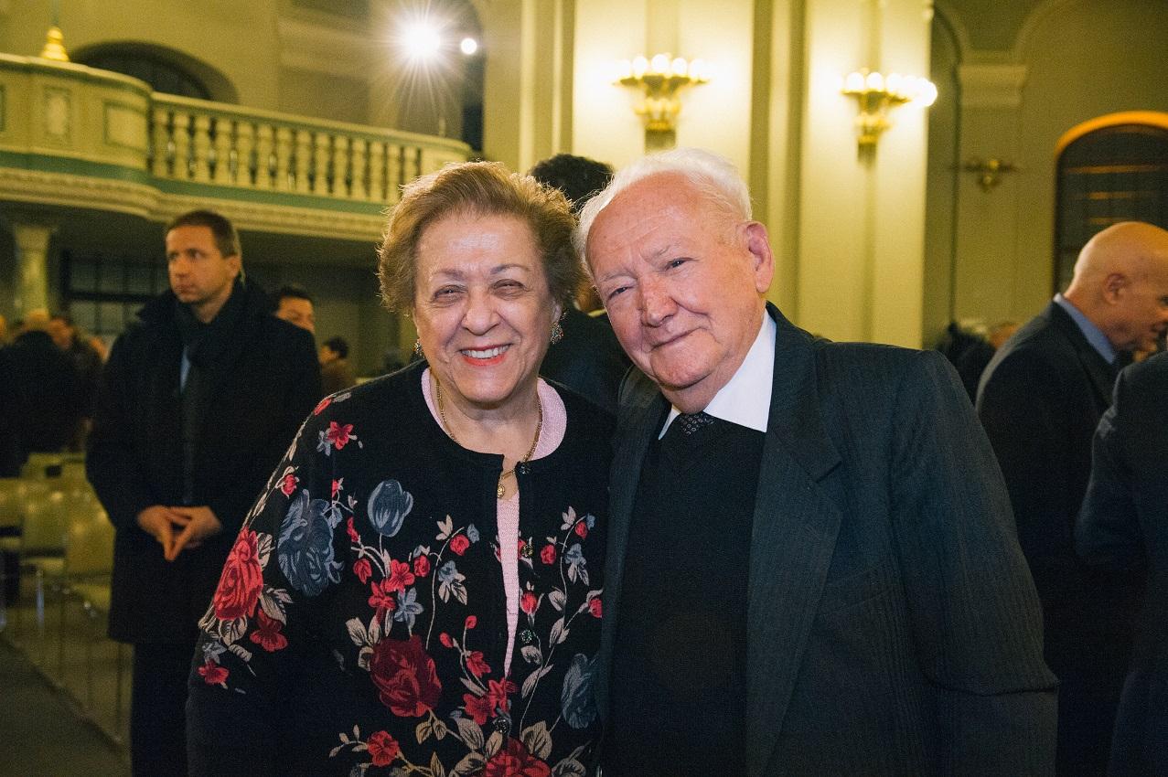 Asher Aud, Holocaustüberlebender und Verbandsleiter in Jerusalem, mit seiner Frau Chaya bei der Gedenkveranstaltung am 27.01.2014 in der Französischen Friedrichstadtkirche in Berlin